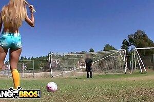 BANGBROS - Brazilian Phat ass white girl Jessie Rogers Rails Mike Adriano's Prick